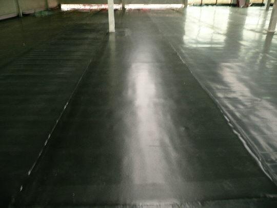 Izolace podlahy výrobní haly